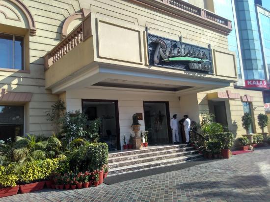 Radisson room elegante classico picture of