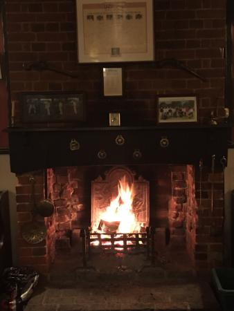 Wrotham, UK: What a warm cozy pub with a great atmosphere..The Landlord was so welcoming and friendly... Reco