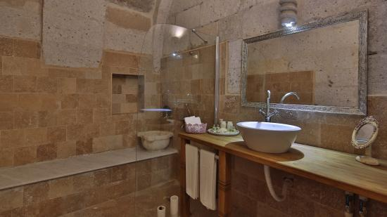 Sakli Konak: bathroom