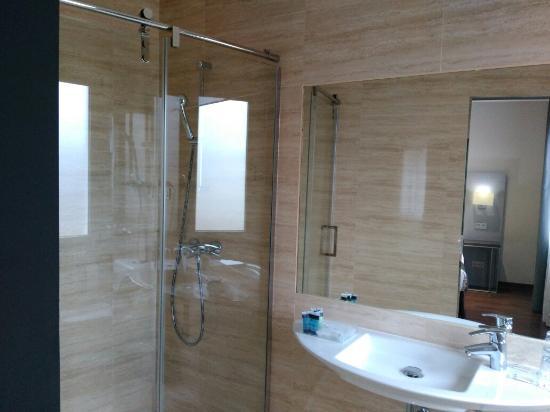 Hotel uVe Alcobendas : IMG_20160107_102339_large.jpg