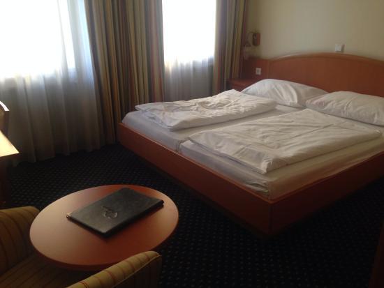 Suite Hotel 900 m zur Oper: двухместный номер с отдельными кроватями
