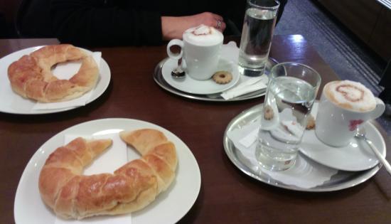 Techelsberg, Austria: le paste e cappuccino