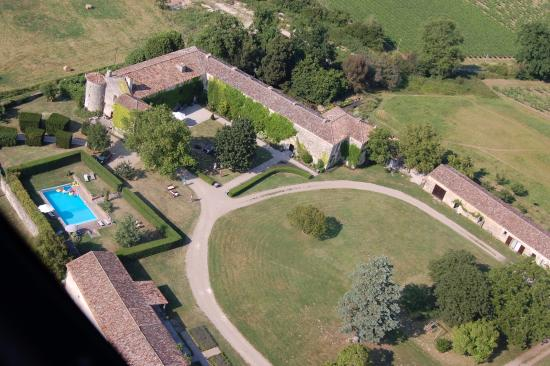 Chateau Rigaud : The Chateau from the air