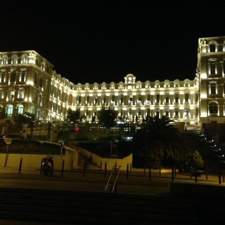 InterContinental Marseille - Hotel Dieu : Pretty lights