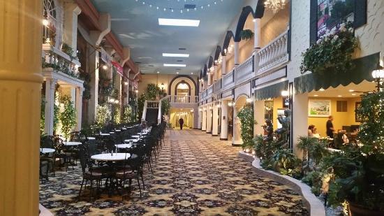 Garden Place Hotel Graybijius