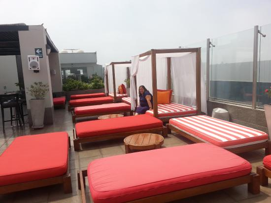 Radisson Hotel Decapolis Miraflores: Terraço