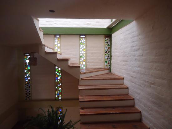 La Casa Verde- Eco Guest House: upstairs to most of the rooms