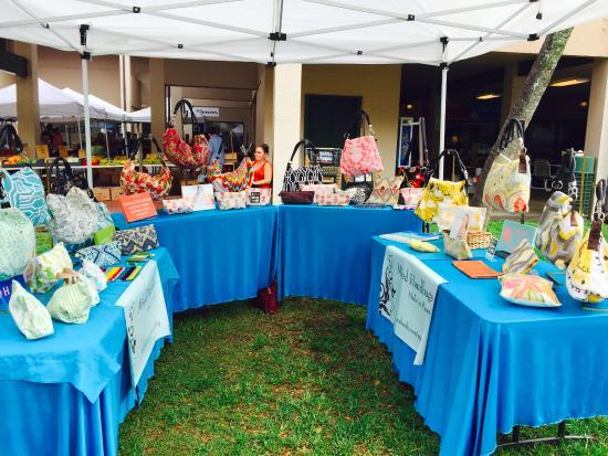 Manoa Marketplace Farmer's Market