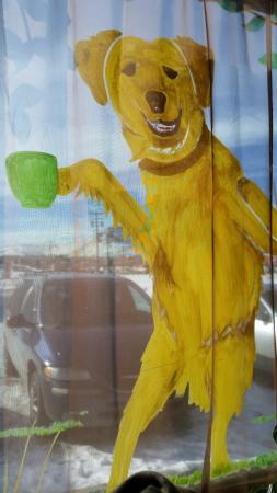 Green River, WY: Fun dogs-drinking-coffee art on the windows