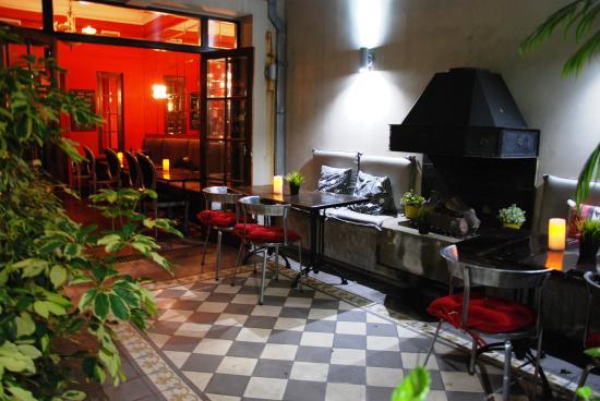 Miravida Soho Hotel and Wine Bar: Miravida Patio