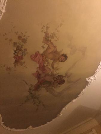 Bellefonte, PA: Cherub Room ceiling.