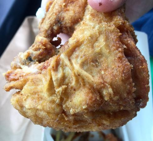 Duxbury, MA: Great chicken and taters!