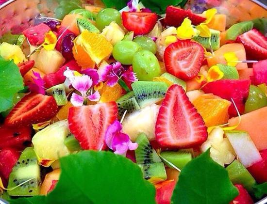 Peregian Beach, Australien: Fresh Fruit Salad Daily