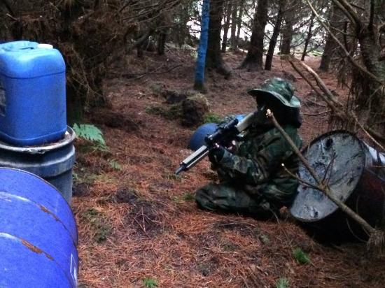 Achonry, Irland: Taking cover