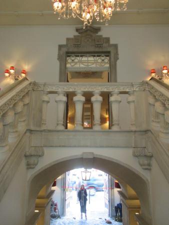 Lousa, Portugal: Escadaria de entrada