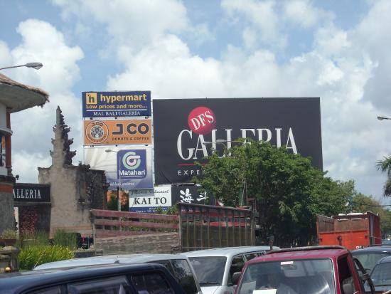 Kuta Square: Galleria
