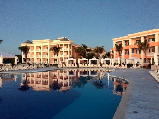 I 39 m in love lol picture of luxury bahia principe akumal for Hotel luxury akumal