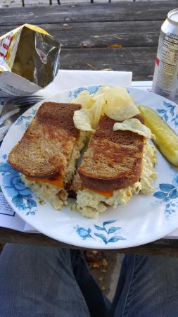 Wauconda, إلينوي: Wonderful Tuna Melt
