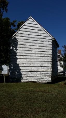Surry, VA: Smokehouse