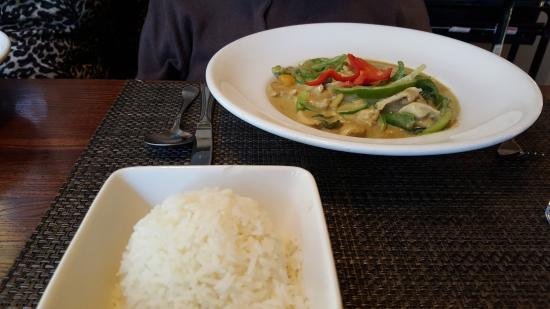 Lake Bluff, IL: Green Curry