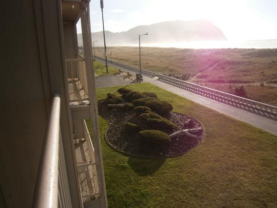 Hi-Tide Oceanfront Inn: The view Seaside Oregon Prom
