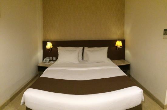 โรงแรมพลาซ่าอินน์