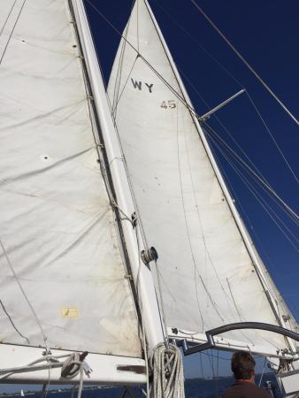 Longboat Key, FL: Under sail power