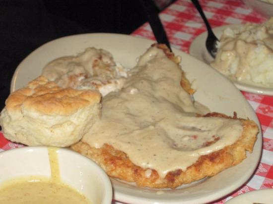 Stroud's Restaurant & Bar : chicken fried chicken