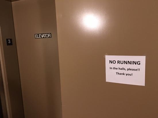 แบกซ์เตอร์, มินนิโซตา: Third floor hallway