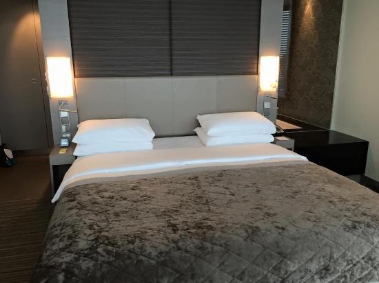 Hyatt Regency Dusseldorf: Comfort bed