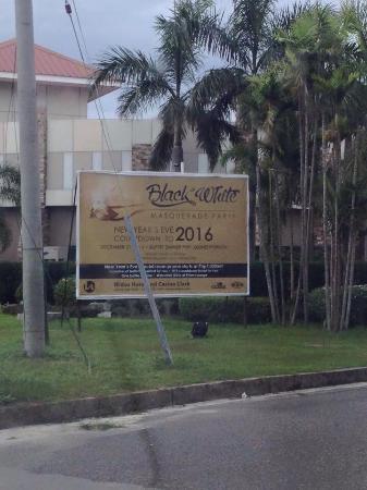 Widus Hotel and Casino: Entrance