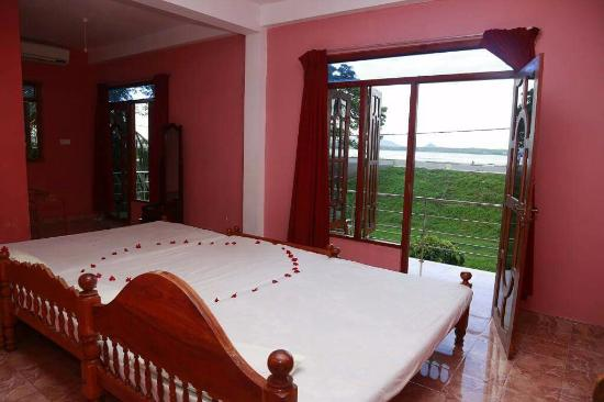 Lake View Hotel : Inside Bed room