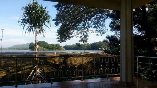 Lake View Hotel : Rear view