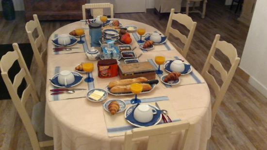 Les Rives de L'Isle: petits déjeuners à l'intérieur l'hiver