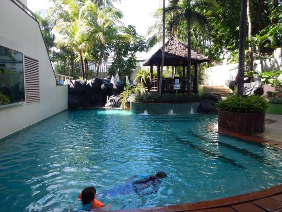Ascott Jakarta: first pool level