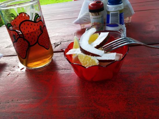 Rosas Restaurant: Fruit & Tea