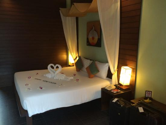 Baan Chaweng Beach Resort & Spa: Grand Deluxe Villa Room - Comfy bed