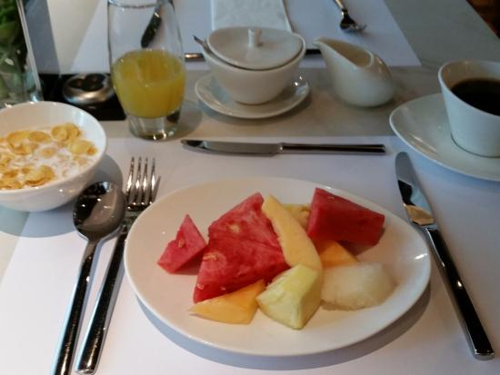 The Picasso Boutique Serviced Residences: Breakfast