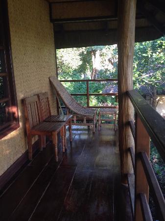 Balinsasayaw Resort: Sit here and idle!