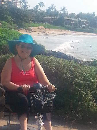 Coastal Nature Trail: Looking over Wailea beach
