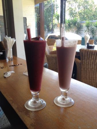 Maya's Coffee & Smoothie Bar: Sedotan eco friendly terbuat dari glass