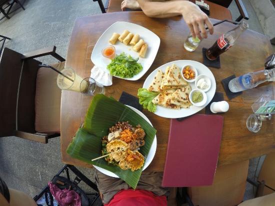 Kafe Batan Waru : GOPR0896_1453017618921_high_large.jpg
