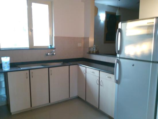 Amrita Towers: kitchen