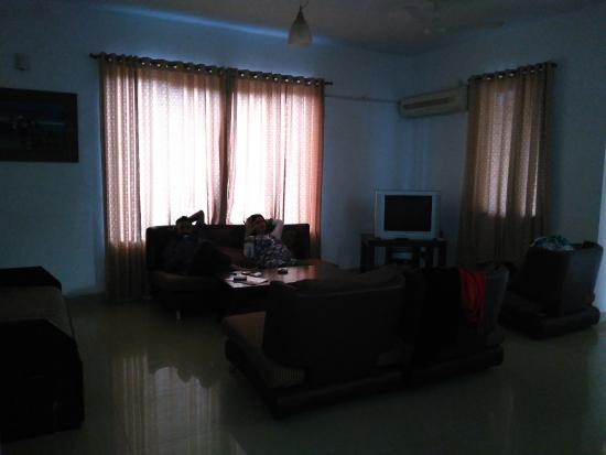 Amrita Towers: 4 big couches ..... sitting area .... view from dining