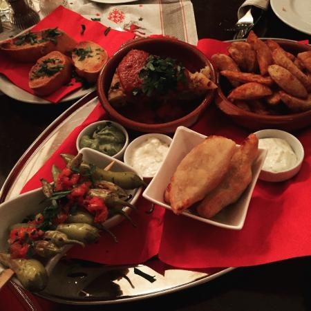Empanada Tapabar Y Restaurant