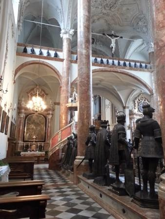 Court Church of Innsbruck (Hofkirche) : Vista laterale