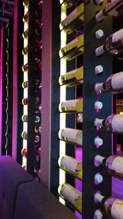 Hoek van Holland, เนเธอร์แลนด์: Speciaal ontworpen wijnrekken