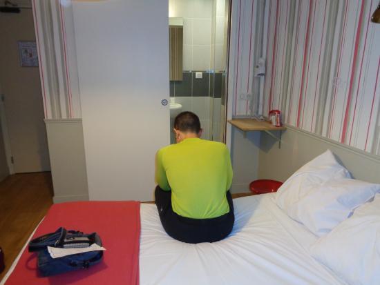 Perfect Hotel & Hostel: Cama y Wc