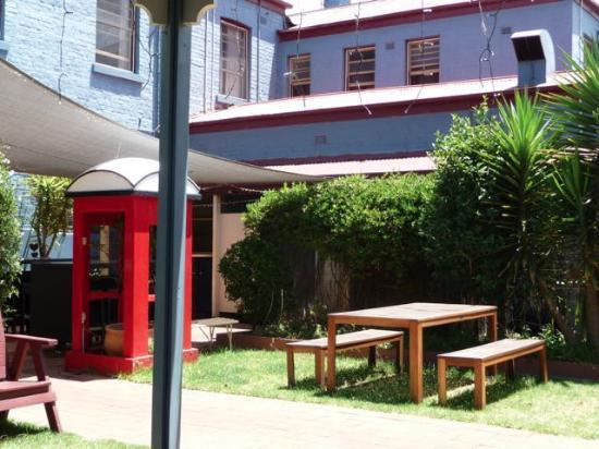 Cootamundra, Australia: Garden eating area