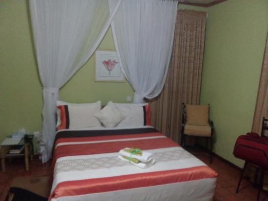 Fort Portal, Uganda: Room on top of the reception-wnere I slept